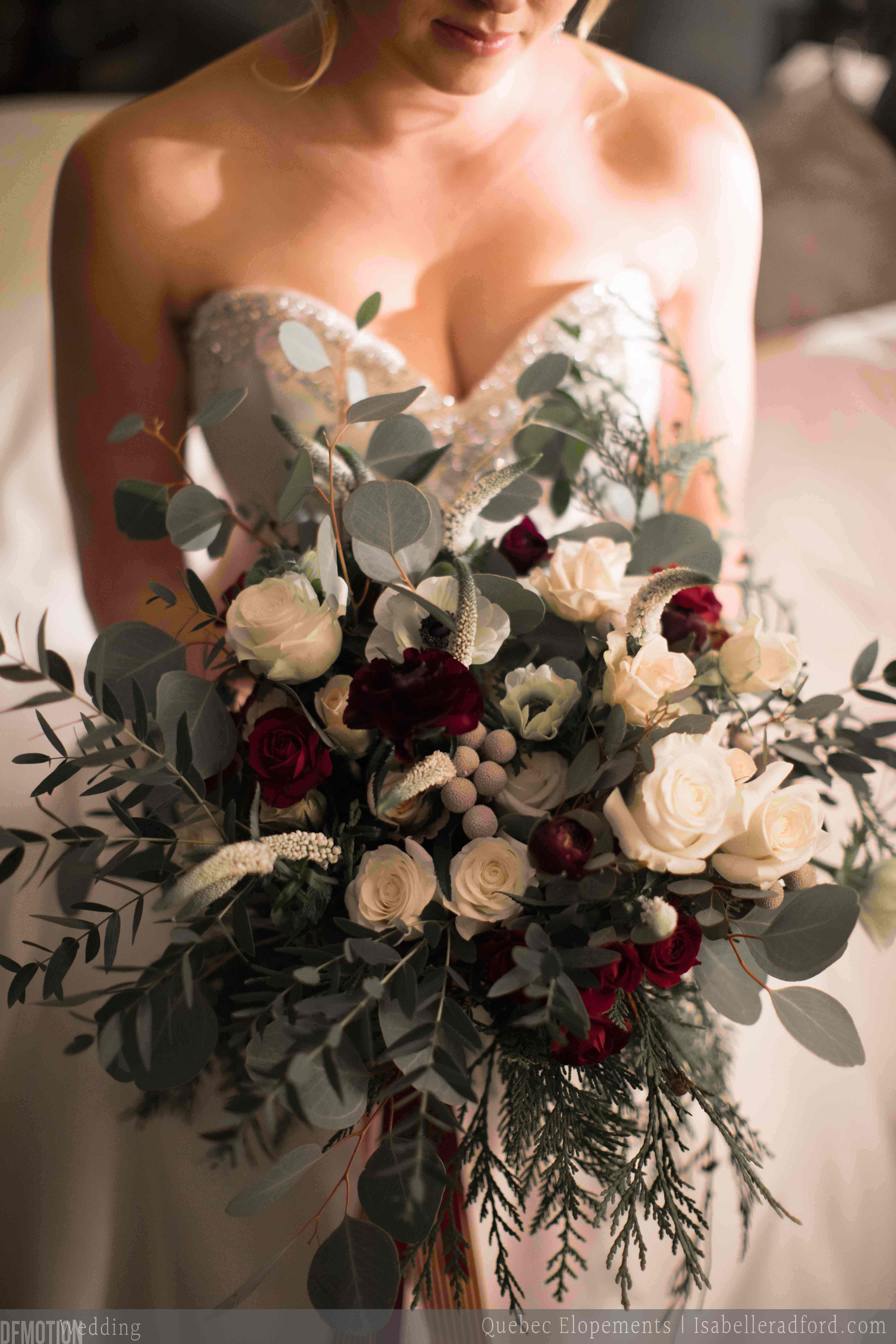 mariages intimes quebec elopements the january second bouquet a winter bouquet created for. Black Bedroom Furniture Sets. Home Design Ideas